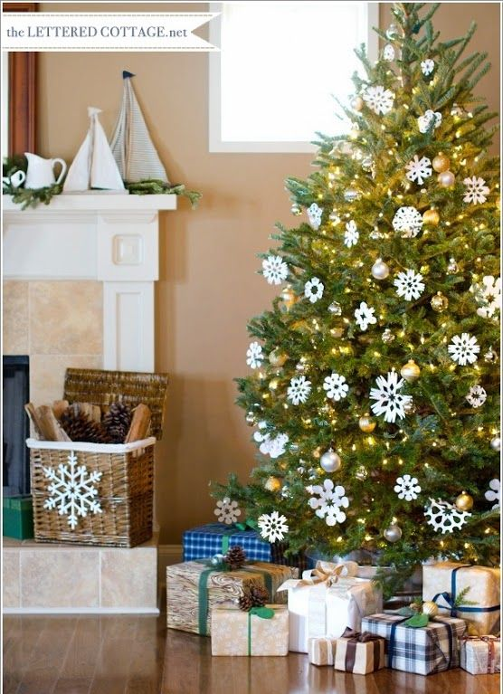 decorar_arbol_navidad_copos_nieve_papel